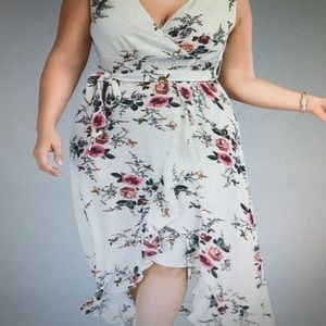 Dresses & Skirts - Brand new beautiful dress